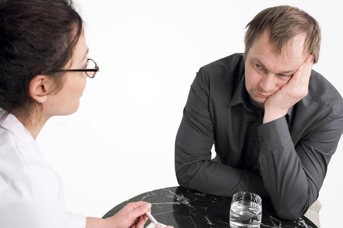 Почему сложно вылечить алкоголика?